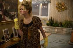 Jennifer-Lawrence--American-Hustle--04